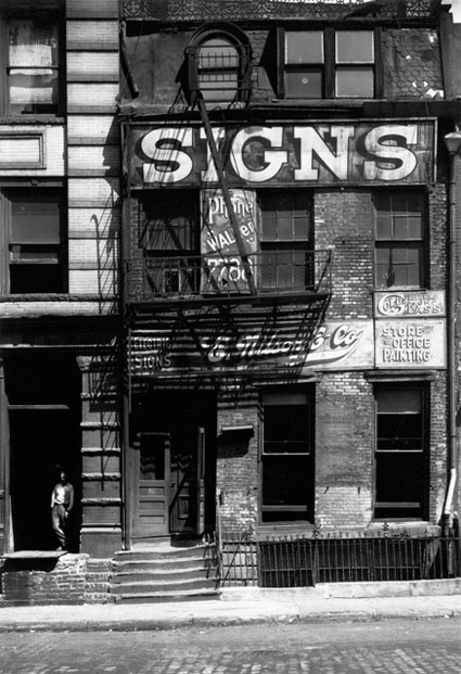 A Sign Business Shop, New York by Peter Sekaer. Source: icp.org