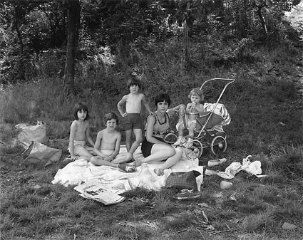 Picnic on Garret Mountain, Paterson, NJ by George Tice. Source: danzigerprojects.com