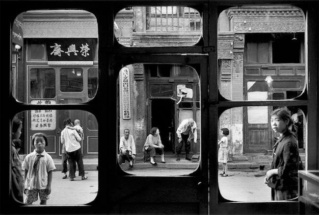 Photo by Marc  Riboud . Source: