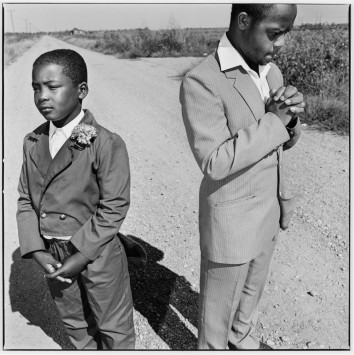 Photo by William Klein . Source: howardgreenberg.com